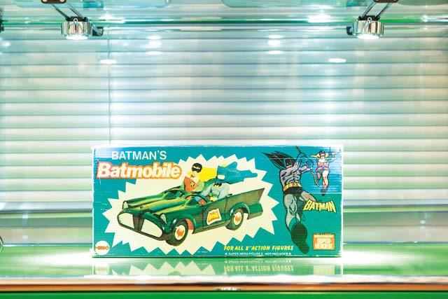 BATMAN BATMOBILE SUPER HEROES 1974