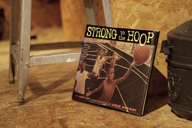 「STRONG to the HOOP」 JOHN COY, LESLIE JEAN BART