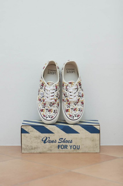 "VANSのOG AUTHENTIC LX""MICKY"""