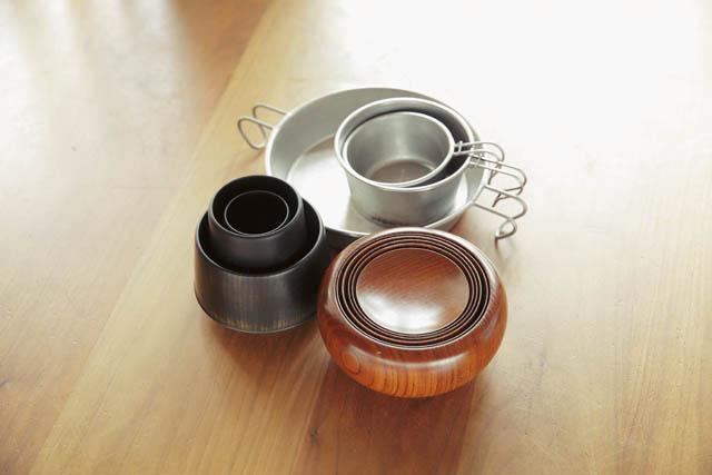 山中漆器の応量器や、MOUNTAIN RESEARCHのシェラカップも外料理の必需品。ここにも和と洋の要素が!