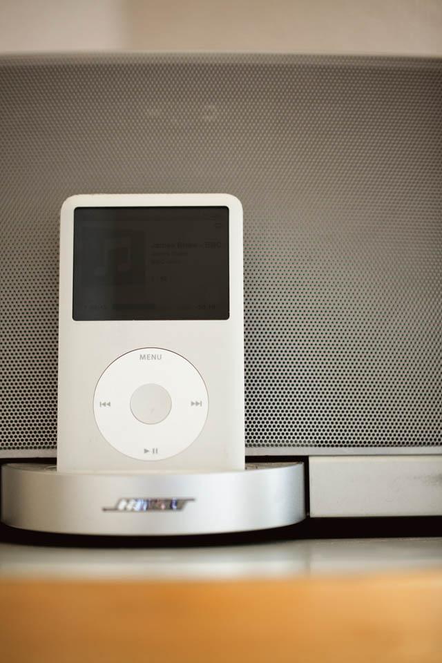 ITEM 06  Appleの iPod classic 160GB