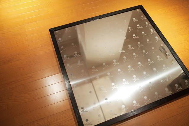 ITEM 01  mastermind JAPANの ステンレスミラーウォークボード