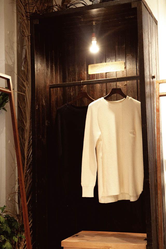 bukht cut&sewn各¥15,750