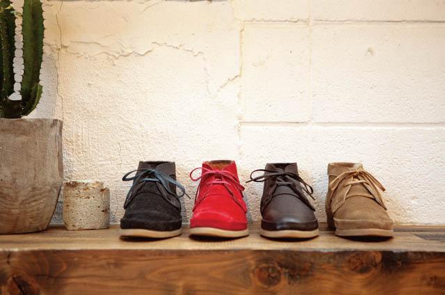 Folk shoes各¥34,440