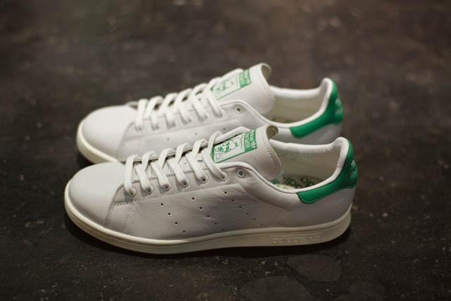 前身モデルを含めて約半世紀の歴史を持つテニスシューズの永久定番adidas STAN SMITH