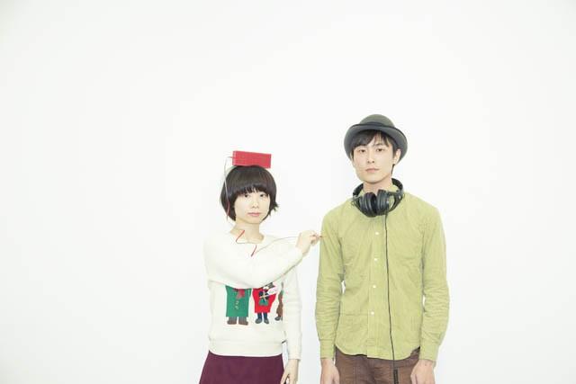 蜜 木村ウニ(Vo&鍵盤ハーモニカ)と橋詰遼(Vo&Gt)