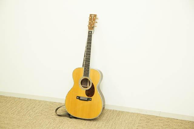 Martin ギター(OM 42)