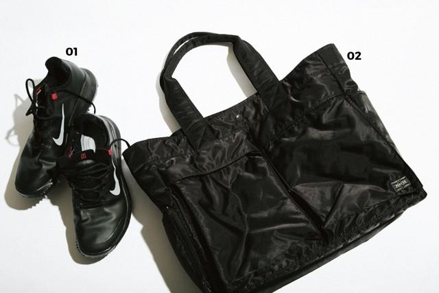 01.NIKE GOLF ゴルフシューズはタイガー・ウッズのシグネチャーモデル、TW13を使用 02.PORTER ゴルフウェアや着替えを持ち運ぶトートは、キャディバッグと同銘柄
