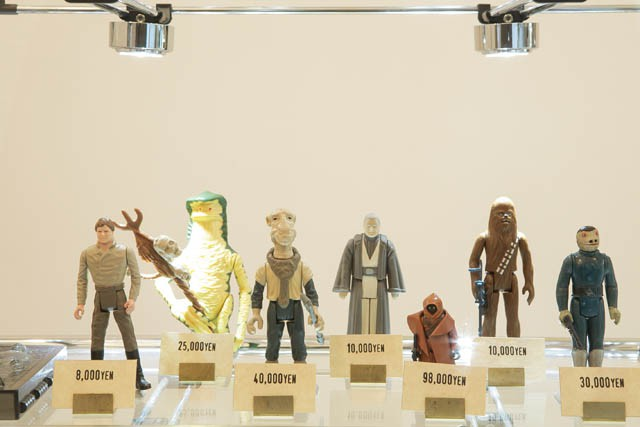 """L➡R POWER OF THE FORCE(1985) HAN SOLO&CARBONIDE CHAMBER ¥8,000 AMANAMAN ¥25,000 YAK FACE ¥40,000 ANAKIN SKYWALKER ¥10,000 THE FIRST TWELVE(1978) JAWA(PLASTIC CAPE)¥98,000 CHEW BACCA(GREEN CROSSBOW)¥10,000 Second series(1979) """"BLUE"""" SNAGGLE TOOTH ¥30,000"""
