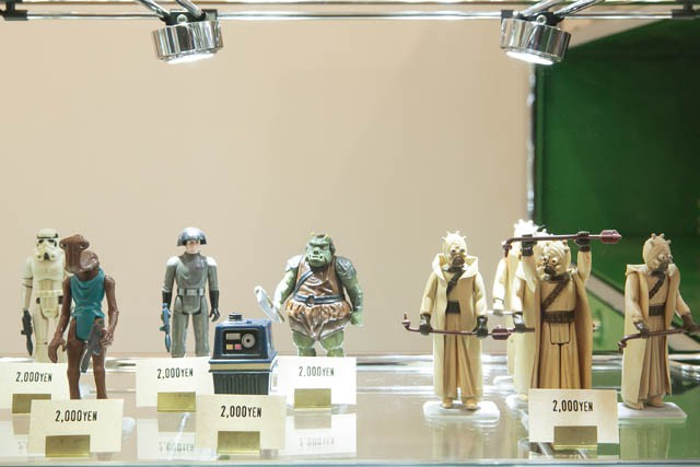L➡R POWER OF THE FORCE(1985) Second series(1979) STOMTROOPER ¥2,000 HAMMMERHEAD ¥2,000 DEATH SQNAD COMMANDER ¥2,000 POWER DROID ¥2,000 SAND PEOPLE ¥2,000 Return of the Jedi(1983) GAMORREAN GUARD ¥2,000