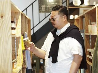"""""""アノ人""""の気になるプライベート・ショッピングを覗き見 休日の""""アノ人""""の買い物に同行。"""