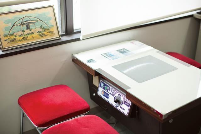 ITEM  USEDのアーケードゲーム 机&椅子