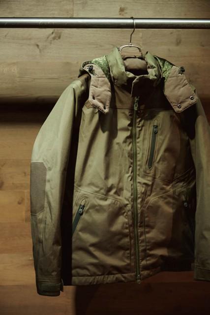 ITEM the POOL aoyama×White Mountaineeringのダウンジャケット