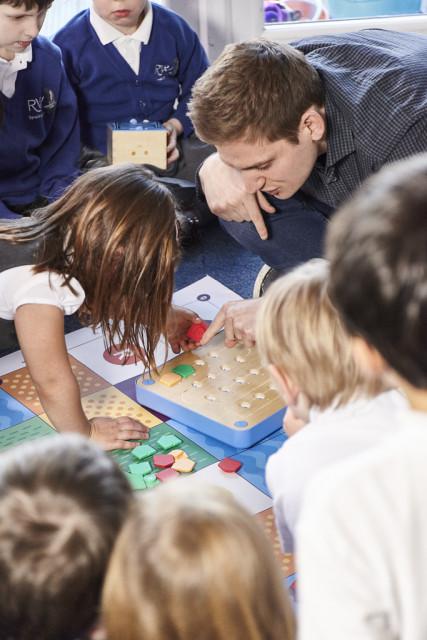 海外では教材として使用されるキュベット、3歳からの自宅での教育おもちゃ