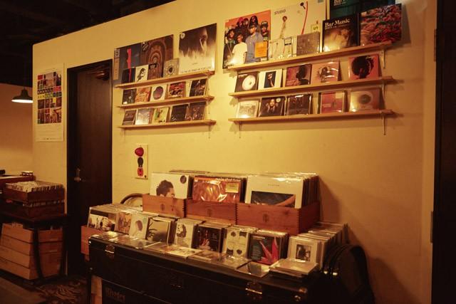 Bar Music店内