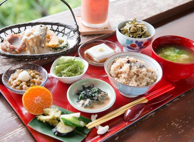 沖縄ランチおすすめ山の茶屋・楽水のさちばる定食