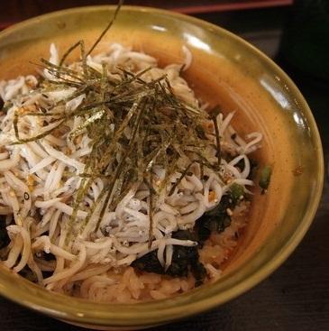 鎌倉でおすすめのしらすランチ 楽縁(らくえん) 鎌倉産 釜揚げしらす丼