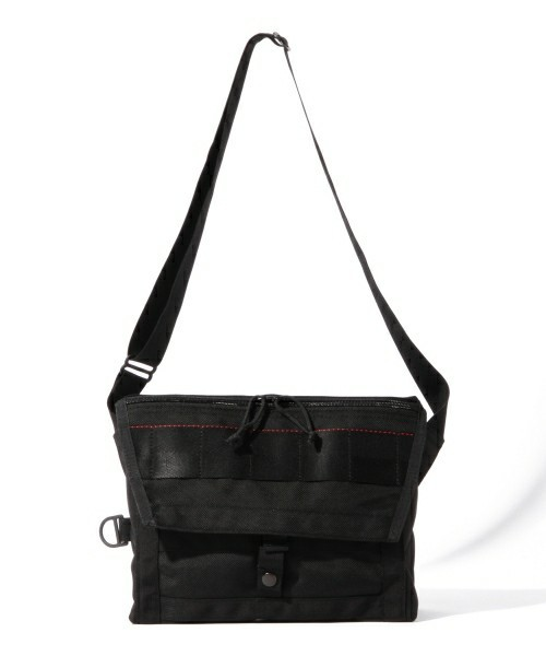 ブリーフィングのメッセンジャーバッグ