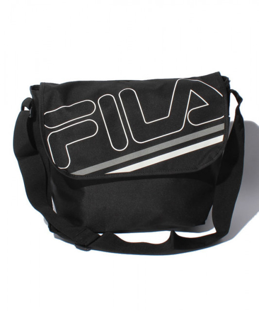 FILAのバッグ CASUAL メッセンジャーバッグ