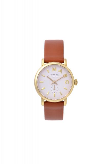一年記念日のプレゼントで彼女に送りたいおすすめアイテム MARC JACOBS(マークジェイコブス)の腕時計 Baker Gold White Tans 28mm
