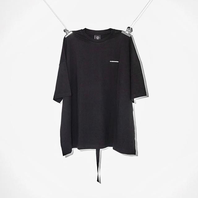 ピースマイナスワンのTシャツ