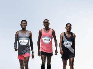 ナイキのBreaking2に挑戦するケニアのエリウド・ キプチョゲ、エリトリアのゼルセナイ・タデッセとエチオピアのレリサ・デシサ