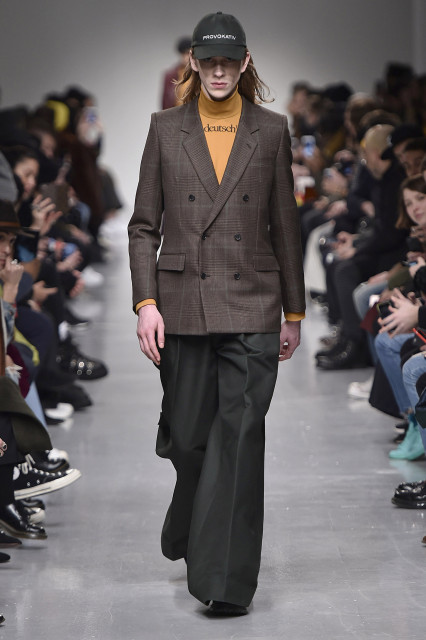 JOHN LAWRENCE SULLIVAN AW17 LFWM Catwalk Imagery Look 1