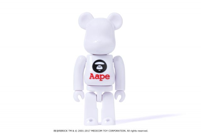 AAPE BY A BATHING APE® MEDICOM TOYのクマ型ブロックタイプフィギュアBE@RBRICK 100%コラボ